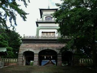 尾山神社と近江町いちば館